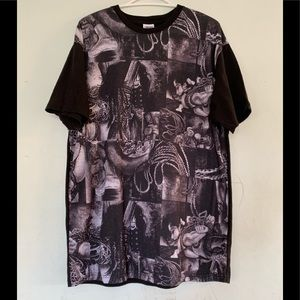 Crooks and Castles tee shirt